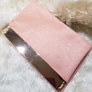 Handbags - Pink clutch
